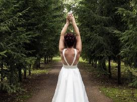 Vestuvine suknele Bretta is Ariamo