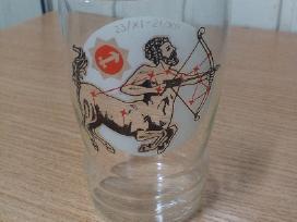 Vintažinė stiklinė su šaulio ženklu