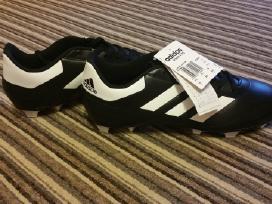 Parduodami nauji futblo bateliai Adidas