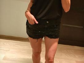 Juodi džinsiniai šortai