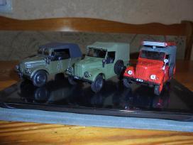 Kolekciniai modeliukai Uaz-452 ir Gaz-69 1/43