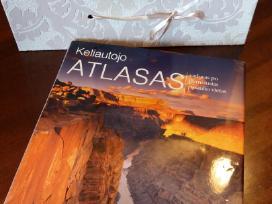 Knyga Keliautojo atlasas. Su dovanų dėžute