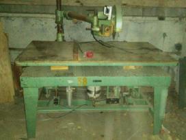 Pneumatinis stalas su skersavimo staklėm