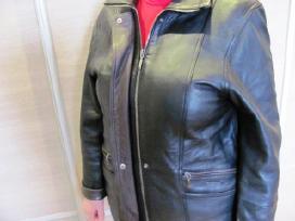 Suomiška odinė demisezoninė moteriška striukė.
