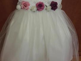 Puošni balta suknelė