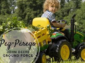 Traktoriukas John Deere Ground Force su priekaba
