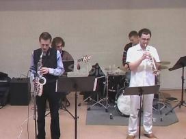 Saksofono pamokos. Instrumentą duodu.