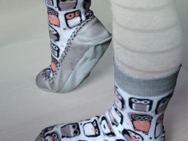 Kojinės odiniu paduku