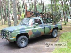 Karinio džipų Chevrolet Blazer nuoma