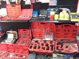 Autoservisų įranga ir įrankiai