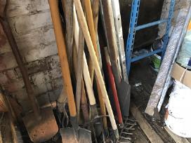 Parduodami sodo įrankiai