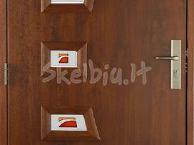 Lauko ir vidaus kambario durys namui montavimas