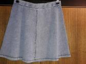 Platėjantis mėlynas sijonas