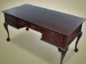 Nauji klasikiniai drožinėti stalai - nuotraukos Nr. 3