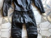 Daug odinių moto kostiumų - nuotraukos Nr. 2