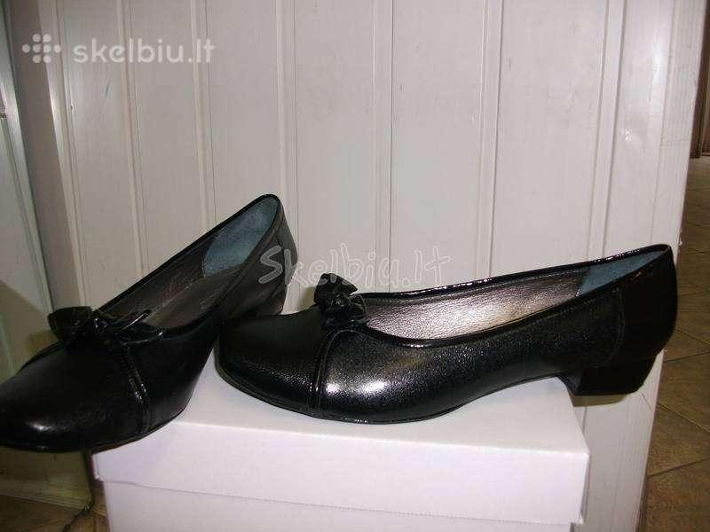 Dideliu dydziu moteriski batai